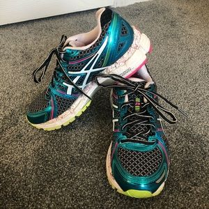 ASICS Gel Kayano 19 Woman's Sz 6